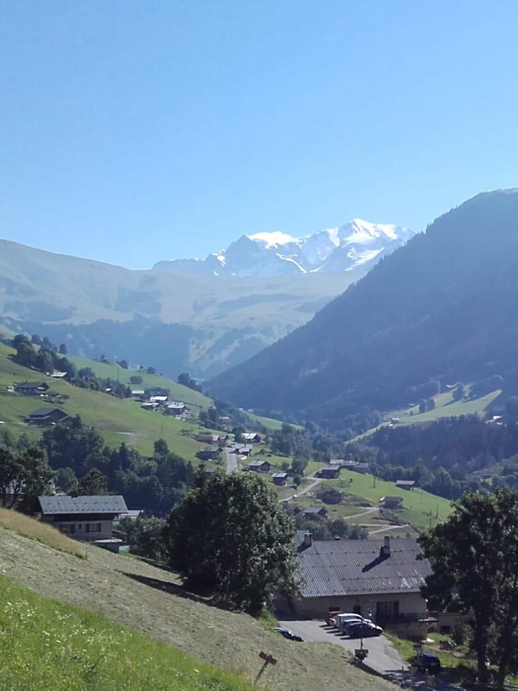 La vallée d'Hauteluce et le Mont Blanc