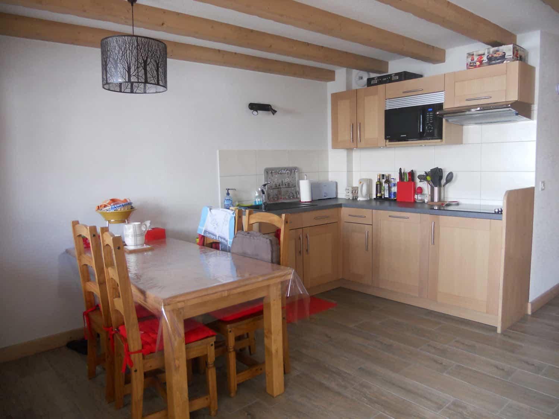 Achat appartement avec coin repas et cuisine équipée