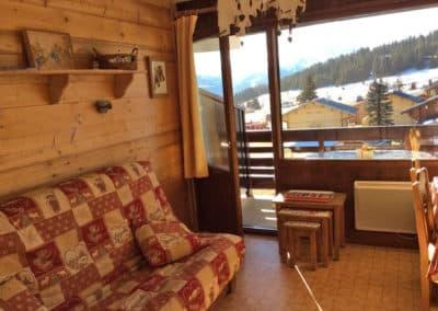 Studio cabine situé dans le bas de la station